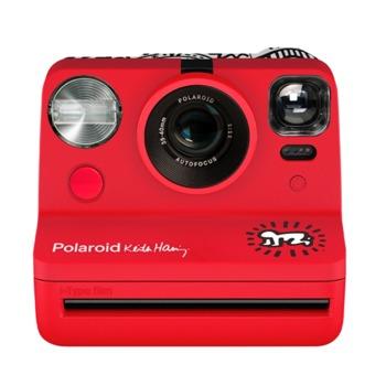 Фотоапарат Polaroid Now - Keith Haring 2021 (червен), моментални снимки, светкавица, 750mAh батерия, USB image