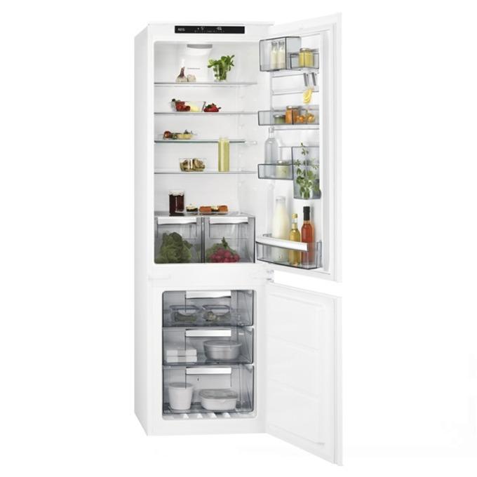 Хладилник с фризер AEG SCE 81824 TS, клас A++, 253 л. общ обем, за вграждане, 140 kWh/годишно, No Frost, антибактериално покритие, бял image