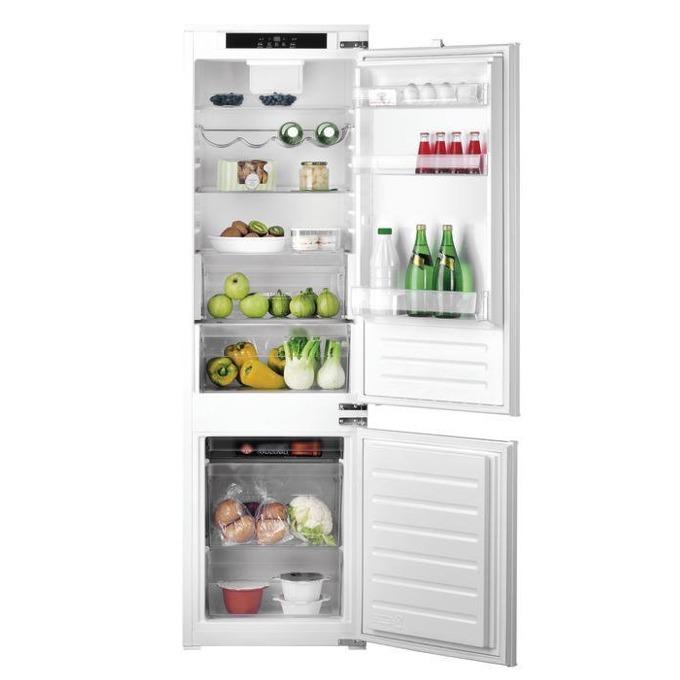 Хладилник с фризер Hotpoint-Ariston BCB 7525 E C AA, клас А+, 286 л. общ обем, за вграждане, 372 kWh/годишно, дисплей, възможност за обръщане на вратата, бял image