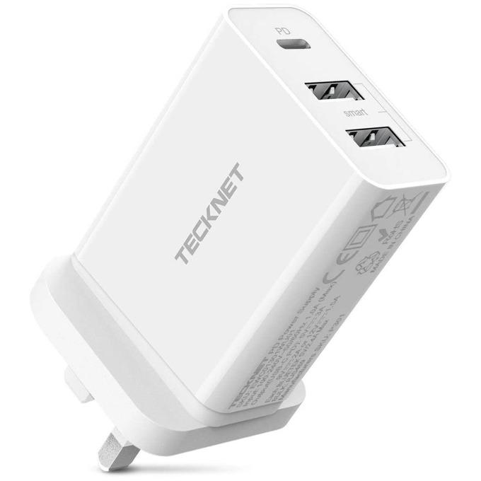 Мрежово зарядно устройство TeckNet EWC01301WU01, 5V 2.4A / 5V 3A / 9V 2A / 12V 1.5A, от контакт към 2x USB A(ж)/ 1x USB Type-C(ж), бяло image