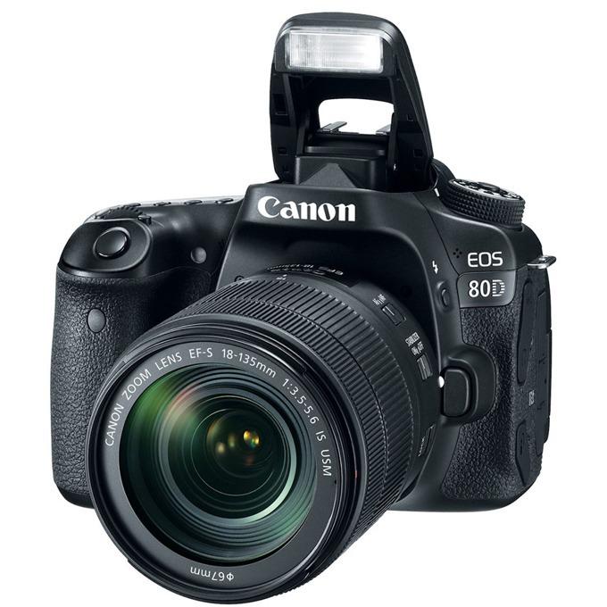 "Canon EOS 80D в комплект с обектив Canon EF-S 18-135mm f/3.5-5.6 IS Nano USM, прахоустойчив, 24.2Mpix, 3.0""(7.62cm) LCD Display, FullHD Video, Wi-Fi/NFC, microUSB, micro HDMI, SDXC (UHS-I) слот, гнездо за слушалки image"