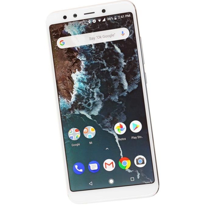 """Смартфон Xiaomi Mi A2 Lite (златист) поддържа 2 sim карти, 5.84""""(14.83 cm), осемядрен Snapdragon 625, 4GB RAM, 64GB Flash памет (+ microSD слот), 12MPix + 5MPix двойна задна камера & 5MPix предна камера, Android, 178g image"""